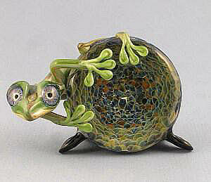 Frog on Solid Geode