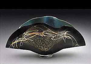Black Clam Vase
